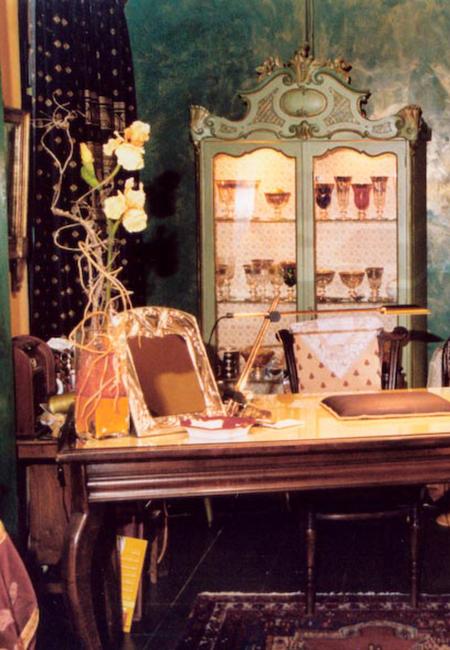 Interno negozio Folies Antiques Torino